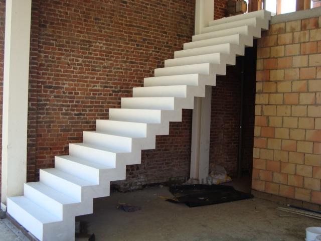 Trappen rechte trappen afgewerkte trappen maatwerk producten